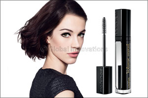 Volume Reveal mascara Ultra Black Collection