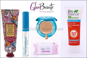 Travel Light with Beauty Essentials  from Glambeaute.com