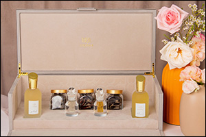 Express Yourself with a Timeless �Velvet Gift Set from LOOTAH